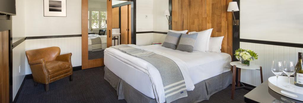 The Hideaway - Carmel-by-the-Sea - Bedroom