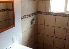 Stardust Hotel - Palm Springs - Bathroom