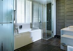 Long Beach Golf & Spa Resort - Belle Mare - Bathroom