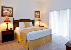 Caribe Cove Resort by Wyndham Vacation Rentals - Celebration - Bedroom