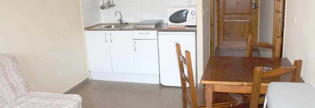 Aparthotel Las Mariposas - Lloret de Mar - Bedroom