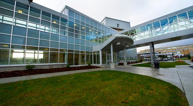 Memorial University - Macpherson College - St. John's - Building