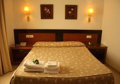 Hotel Restaurante Blanco y Verde - Conil de la Frontera - Bedroom