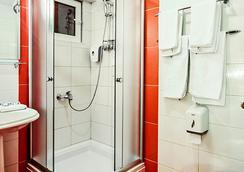 Hotel Victoria - Skopje - Bathroom