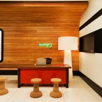 Pod 39 Concierge Desk