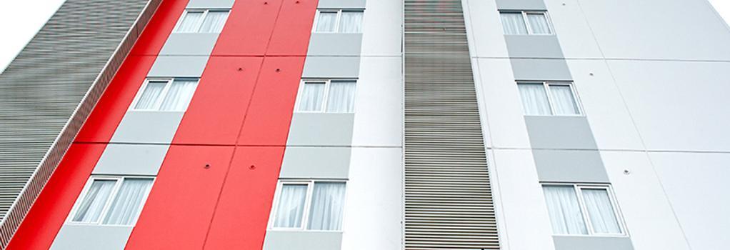 Red Planet Palembang - Palembang - Building
