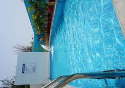 Sea La Vie Covelong Beach Resort - Chennai - Pool