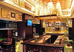 Broadway Mansions Hotel - Shanghai - Bar