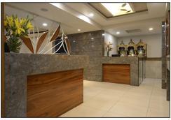 Hotel Rajmahal - Pune - Lobby