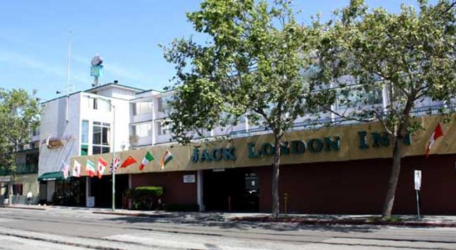 Jack London Inn - Oakland - Building