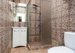 Mira Hotel - Moscow - Bathroom