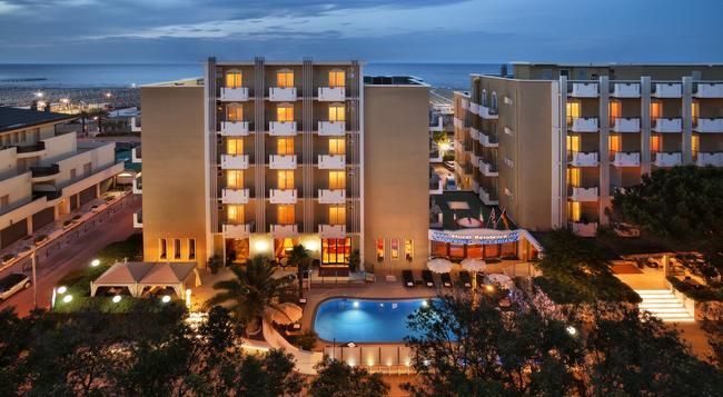 Hotel Villa Bianca - Rimini - Building