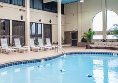 Clarion Hotel Nashville Downtown - Stadium - Nashville - Pool