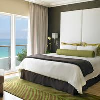 The Palms Hotel & Spa Suite
