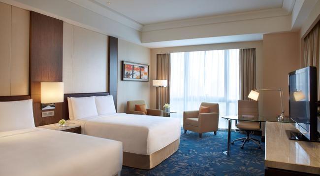 Shanghai Marriott Hotel Pudong East - Shanghai - Bedroom