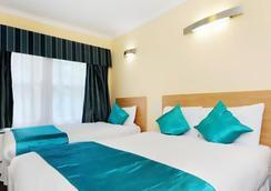 Lord Jim Hotel - London - Bedroom