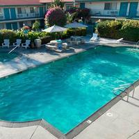 California Suites Hotel Outdoor Pool
