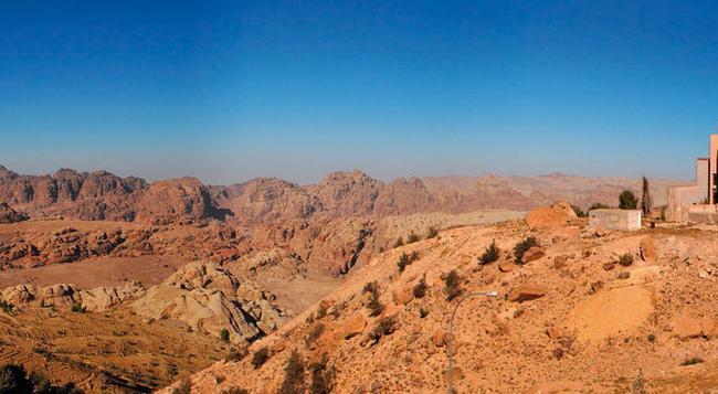 Movenpick Nabatean Castle Hotel - Wadi Musa - Building