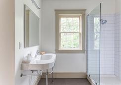 Oakhurst Inn - Charlottesville - Bathroom