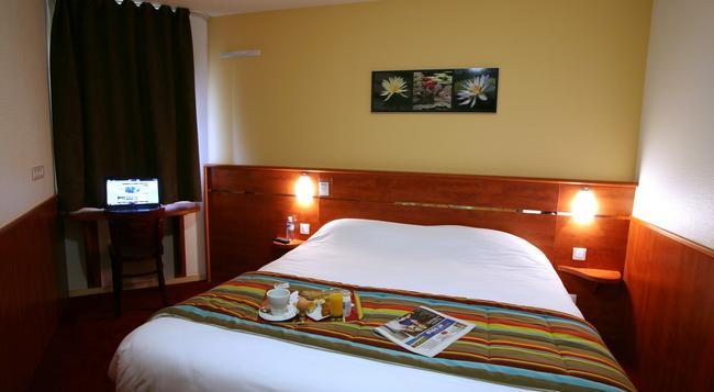Brit Hotel Nantes St Herblain - Le Kerann - Saint-Herblain - Bedroom