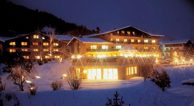 Hotel Zum Stern - Bad Hofgastein - Building