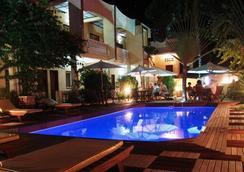 Hôtel Restaurant Coco Lodge Majunga - Majunga - Pool