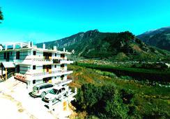Hotel Ridge View - Manali - Outdoor view