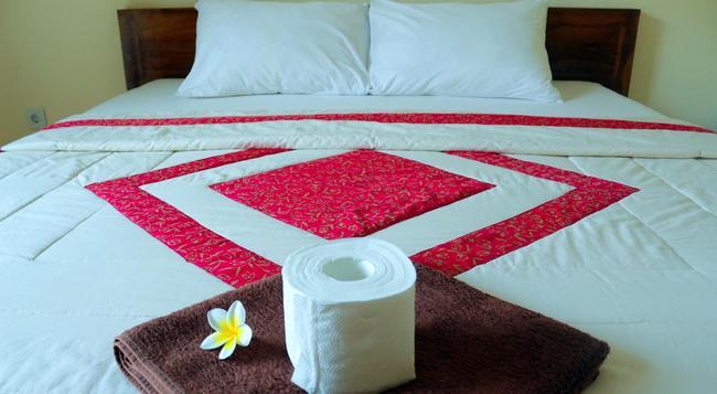 Citrus Tree B&B - Shana - Ubud - Bedroom