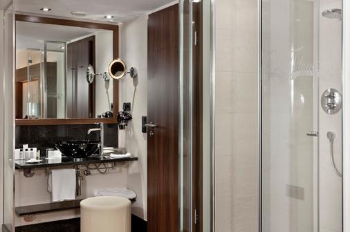 Flemings Hotel Frankfurt Main-Riverside - Frankfurt am Main - Bathroom