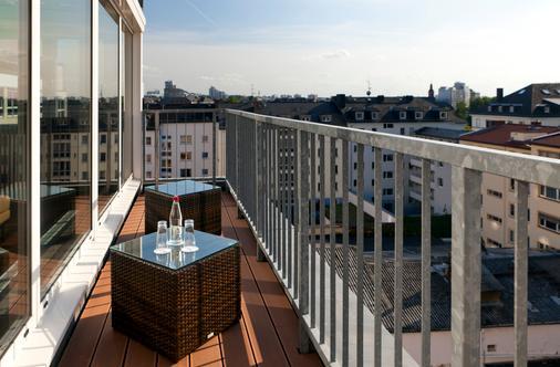 Flemings Hotel Frankfurt Main-Riverside - Frankfurt am Main - Balcony