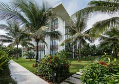 Sunrise Premium Resort Hoi An - Hoi An - Building