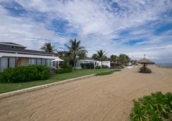 Sunrise Premium Resort Hoi An - Hoi An - Beach