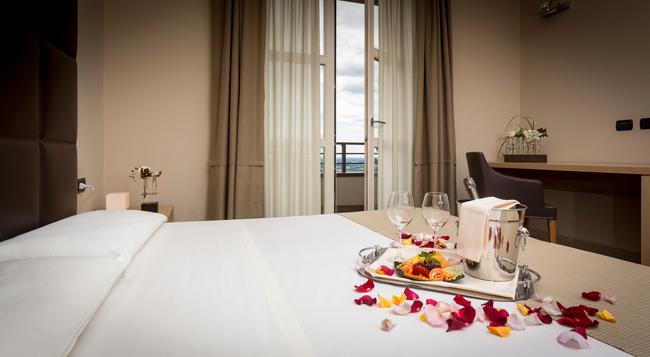 Hotel Tenuta Colle Piajo - Bergamo - Bedroom