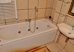 Hotel Rasula Alta - Catania - Bathroom