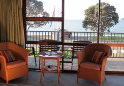 Bay Sands Seafront Studios - Paihia - Bedroom