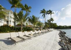 Pelican Cove Resort & Marina - Islamorada - Beach