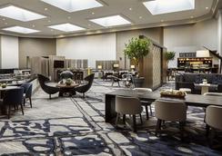 Cincinnati Marriott North - West Chester - Lobby