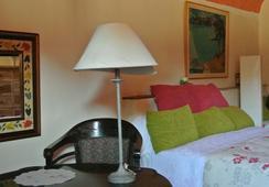 Fonda La Pepa Maca - Girona - Bedroom