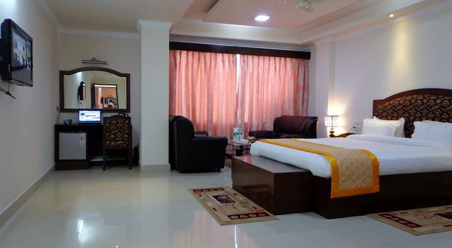 Bodhgaya Regency Hotel - Bodh Gaya - Bedroom