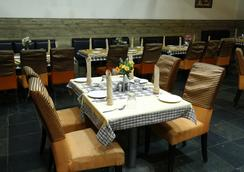 Ulo Hotels Chennai Deluxe - Chennai - Restaurant