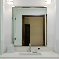 Four Points by Sheraton New York Downtown Bathroom