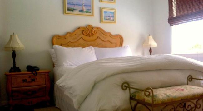 Palm Beach Historic Inn - Palm Beach - Bedroom