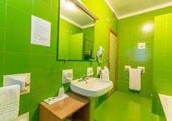Hotel Residence Ulivi e Palme - Cagliari - Bathroom