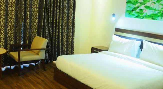 Hive Panipat Hotel - Panipat - Bedroom