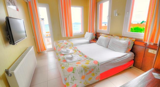 Cunda Butik Otel Ezer - Ayvalik - Bedroom