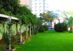 Quintana Hotel - San Luis - Outdoor view