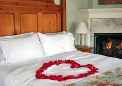 Cliffside Inn - Newport - Bedroom