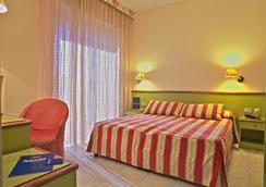 Hotel Splendid - Diano Marina - Bedroom