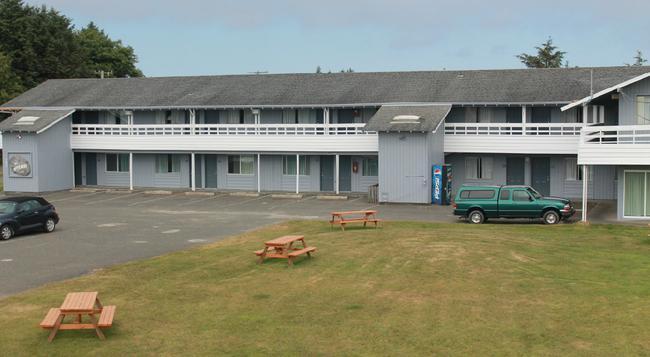 The Beach Walk Inn - Ocean Shores - Building