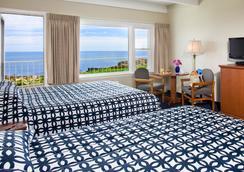 Atlantis Oceanfront Inn Gloucester - Gloucester - Bedroom